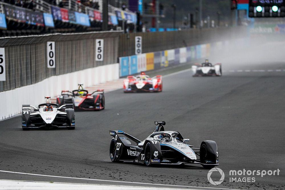 De Vries se lleva un accidentado ePrix de Valencia con increíble final