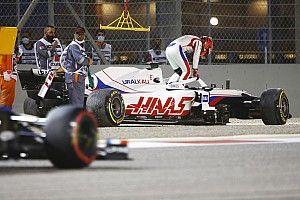 Мазепин вылетел с трассы через 21 секунду после старта своей первой гонки в Формуле 1