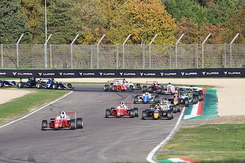 Formula 4: ad Imola il giro di boa della stagione 2021