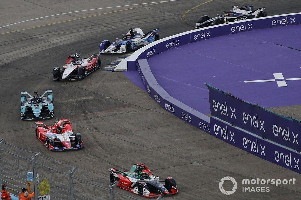 McLaren, batarya anlaşmasının bitmesinin ardından Formula E'ye geçebilir