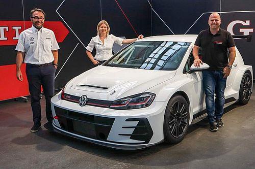 Volkswagen chiude un'era: consegnata l'ultima Golf GTI TCR