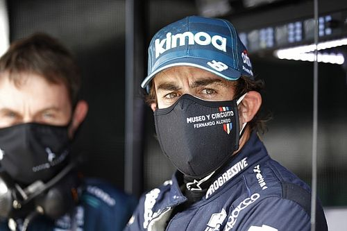 """Alonso: """"Los que hablan tanto, que se pongan el casco"""""""