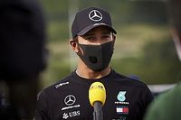 Hamilton cita NBA para criticar pilotos da F1 que não se ajoelham contra racismo