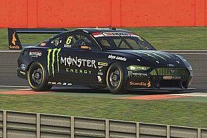 De Pasquale, Waters win Silverstone races
