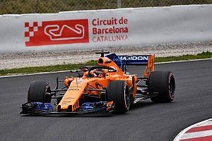 マクラーレン、2日目は37周に終わる。エキゾーストのクリップに問題