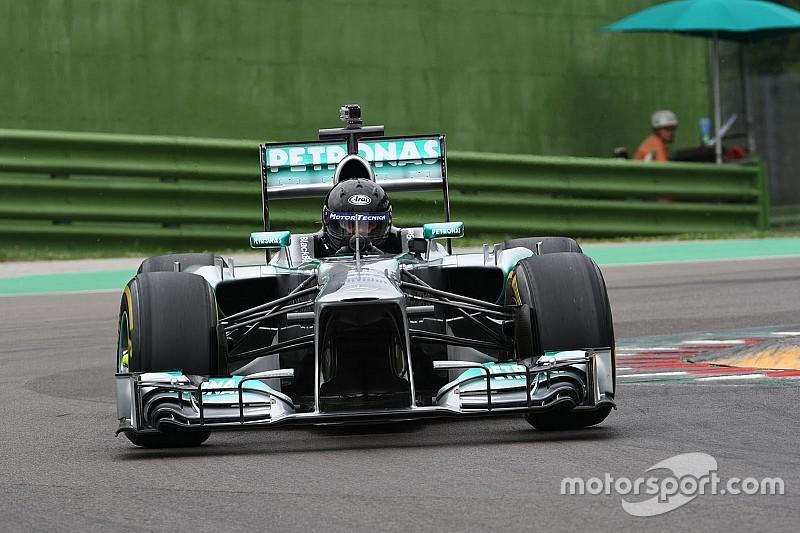 Инженер за рулем машины Ф1: Альдо Коста пилотирует Mercedes W04