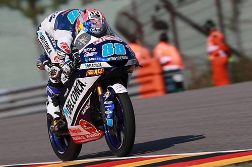 Sachsenring Moto3: Martin leads Bezzecchi for fifth win of 2018