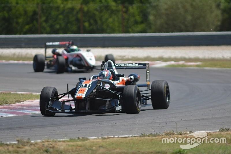 F2000 Italian Trophy: Bracalente corsaro, trionfa in Gara 1 a Budapest