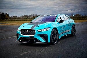 Jaguar I-PACE debut di ePrix Berlin
