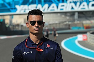 威尔雷恩与拉塞尔在2018年担任梅赛德斯后备车手
