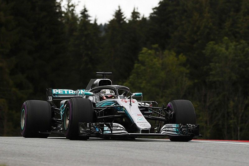 Mercedes lidera también unos libres 2 de Austria con dudas para McLaren