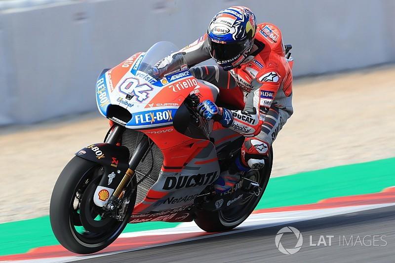 """Marquez verbaasd over crashes Dovizioso: """"Dat is niets voor hem"""""""
