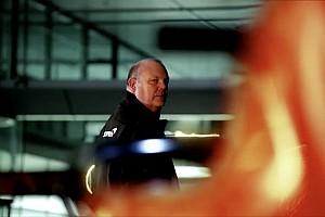 Новый McLaren сфотографировали в аэропорту