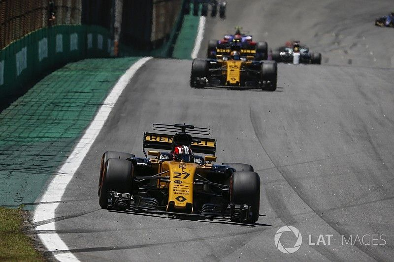 Renault сформулировала цель на предсезонные тесты