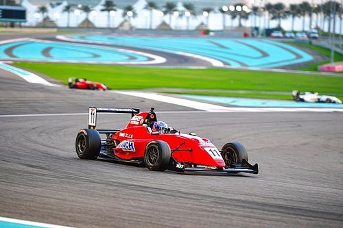Abu Dhabi MRF: Drugovich takes crushing Race 3 win