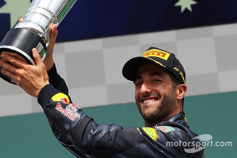 """ريكاردو يتلقى جائزة """"سائق اليوم"""" عن سباق ألمانيا"""