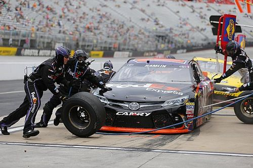 Hamlin overcomes issues to be the Top Toyota at Bristol