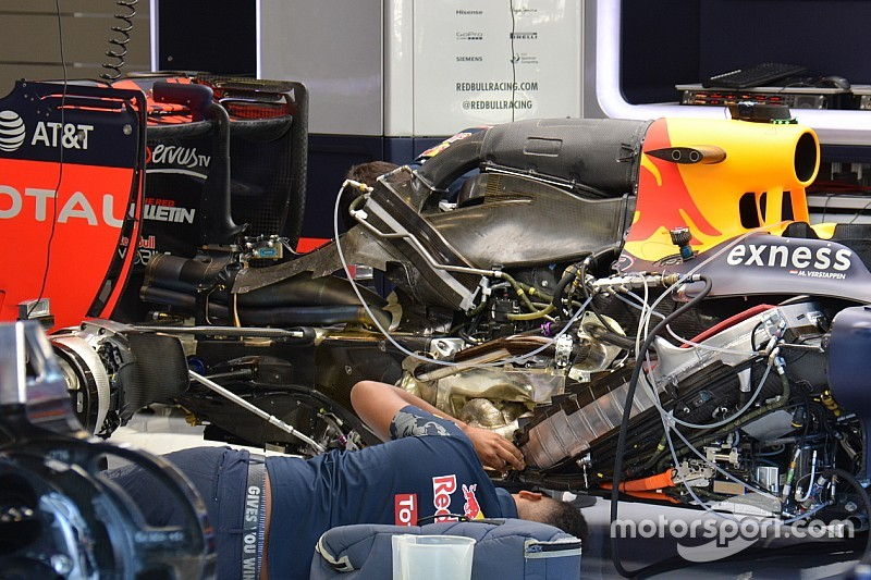 Bite-size tech: Red Bull RB12 rear wing