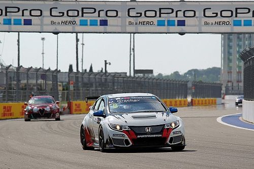 Sochi TCR: Grachev cruises to victory on home soil
