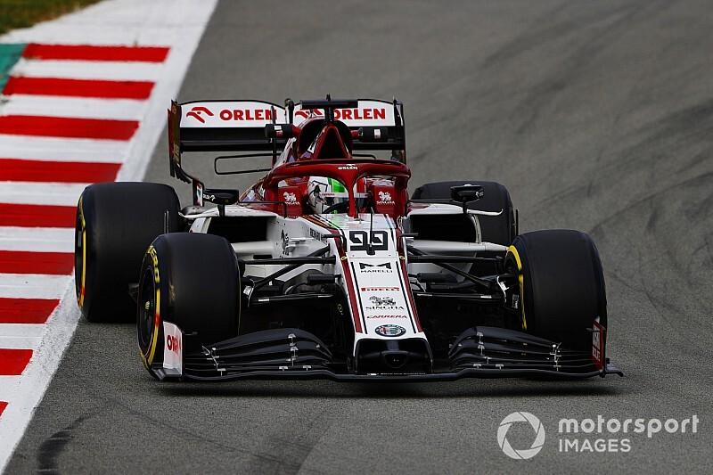Videó: Giovinazzi eldobta az Alfa Romeót – sérült a hátsó szárny!