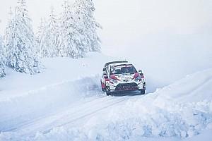 Śnieg zaskoczył Rovanperę