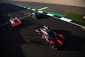 Fotos y vídeo: Verstappen prueba el superdeportivo Valkyrie