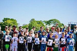 Jovens pilotos de kart desejam boa recuperação para Tuka Rocha