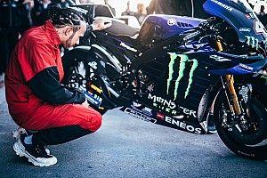 ¿Se cayó Hamilton de la Yamaha en el intercambio con Rossi?