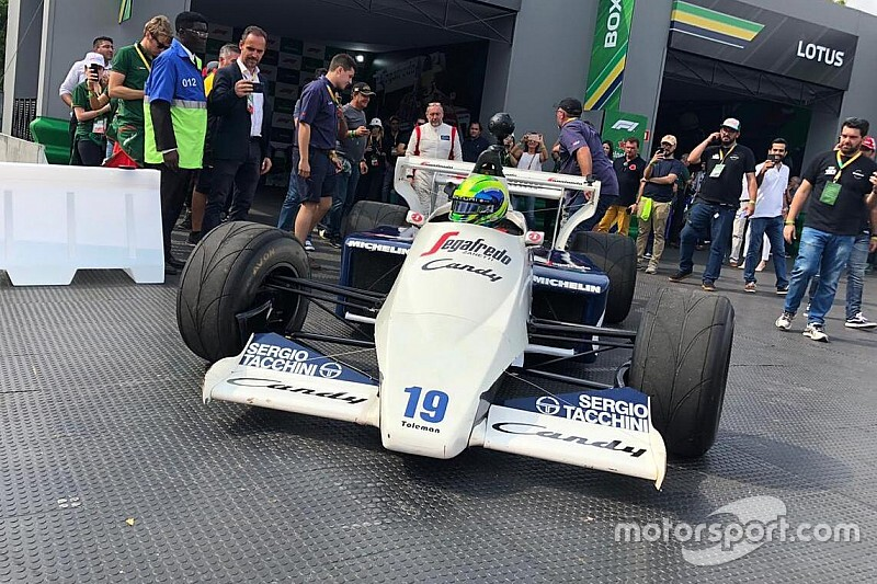 Képekben a Senna tiszteletére rendezett F1-es utcai show