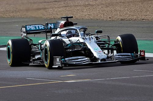 Video: Bottas ve Hamilton, Mercedes W11'i ilk kez sürüyor