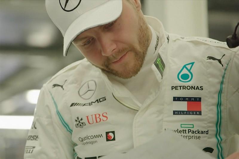VIDEO: Bottas regresa al trabajo en las instalaciones de Mercedes
