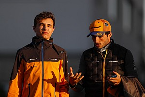 Így tombolt a McLarenben Norris és Sainz: videó