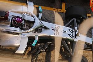 Mercedes w centrum uwagi