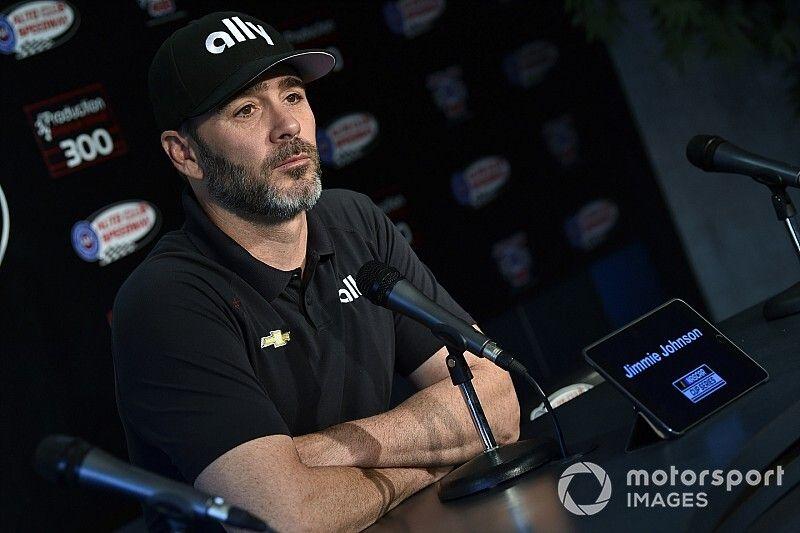 Семикратный чемпион NASCAR протестирует болид IndyCar