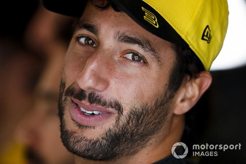 """Ricciardo érkezése és a """"meztelenné"""" vált Renault"""