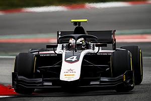 De Vries cierra en cabeza el test de la F2 en Barcelona