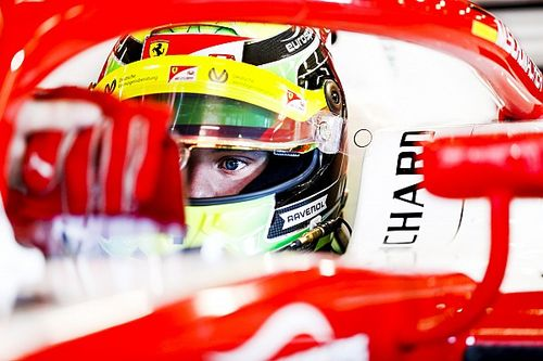 Schumacher fala sobre oportunidade de testar Ferrari no Bahrein