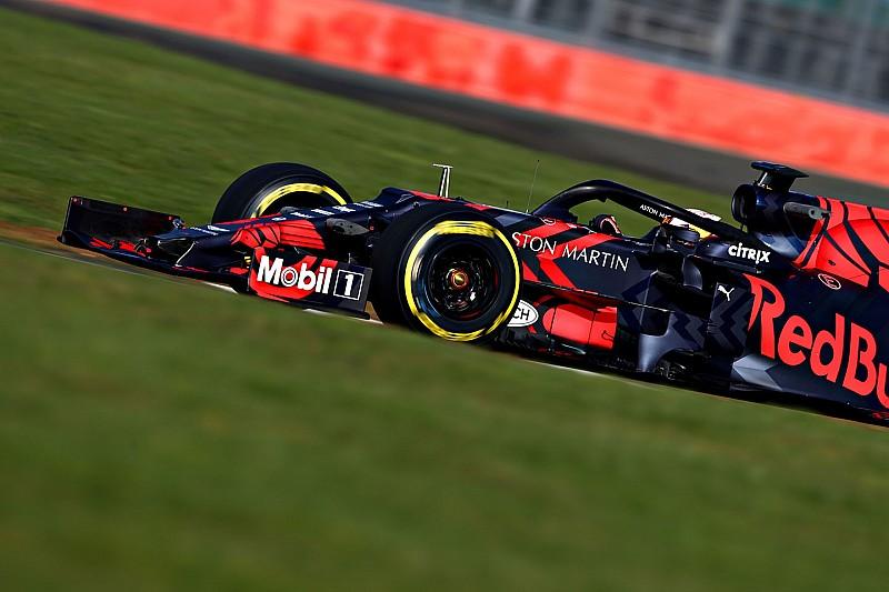 Red Bull проверила RB15 в Сильверстоуне: первые фото