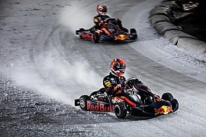 Fotos y vídeo: el duelo de Verstappen y Gasly sobre hielo