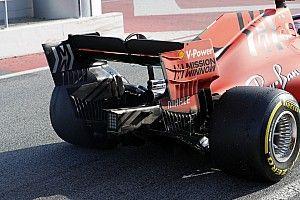 Ferrari prueba ruedas al polémico estilo Mercedes