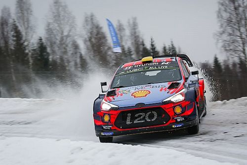 Rally Sweden to go ahead, cut by eight stages