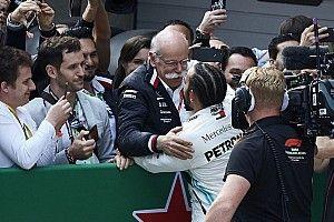 """Chez Mercedes, le """"big boss"""" fidèle à la F1 passe la main"""