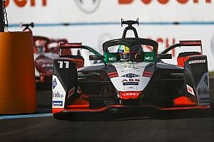 Di Grassi doesn't need help from FE bosses to stay in series