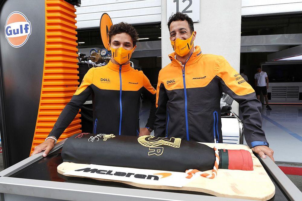 Norris szerint ezért jött ki jobban Sainzcal, mint Ricciardóval