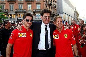 Zawstydzające rozmowy w Ferrari