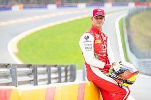 """Domenicali: """"Schumacher'in F2'de bir sezona daha ihtiyacı var"""""""""""