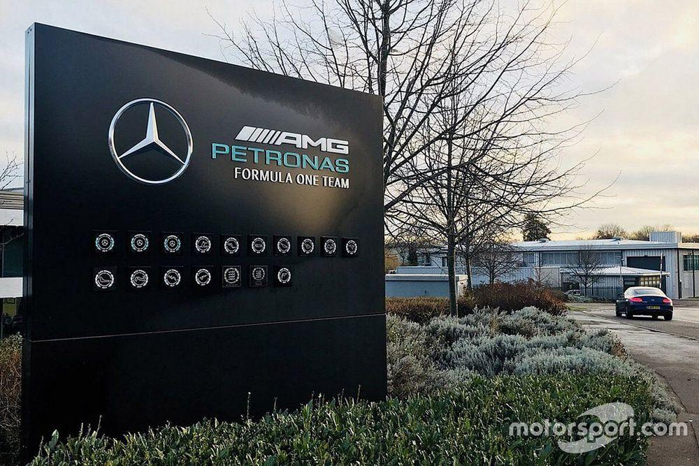 Mercedes despide empleados por racismo