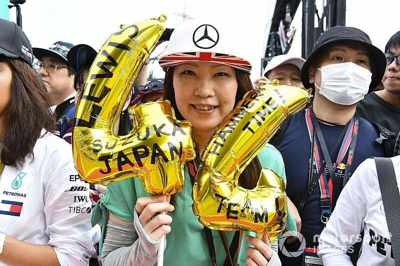 Egyre többen aggódnak a nézők miatt Japánban: jön a tájfun