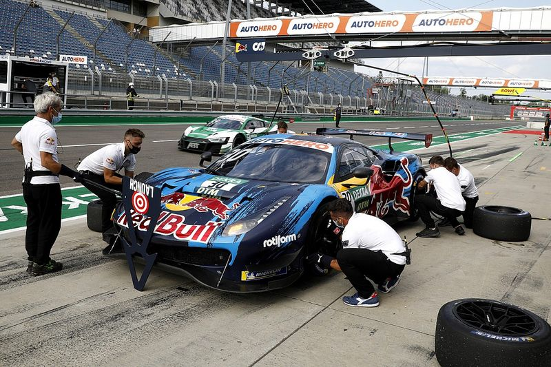 Lawson takes blame for slow pitstop that cost DTM race lead