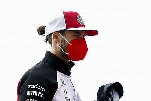 جيوفينازي يُبقي على خياراته مفتوحة خارج الفورمولا واحد في 2022